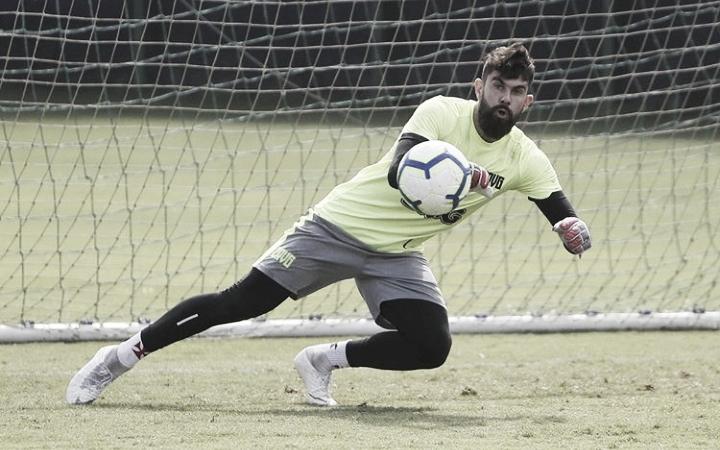 Fernando Miguel enxerga defesa do Vasco mais segura: ''Precisamos ter mais atenção''