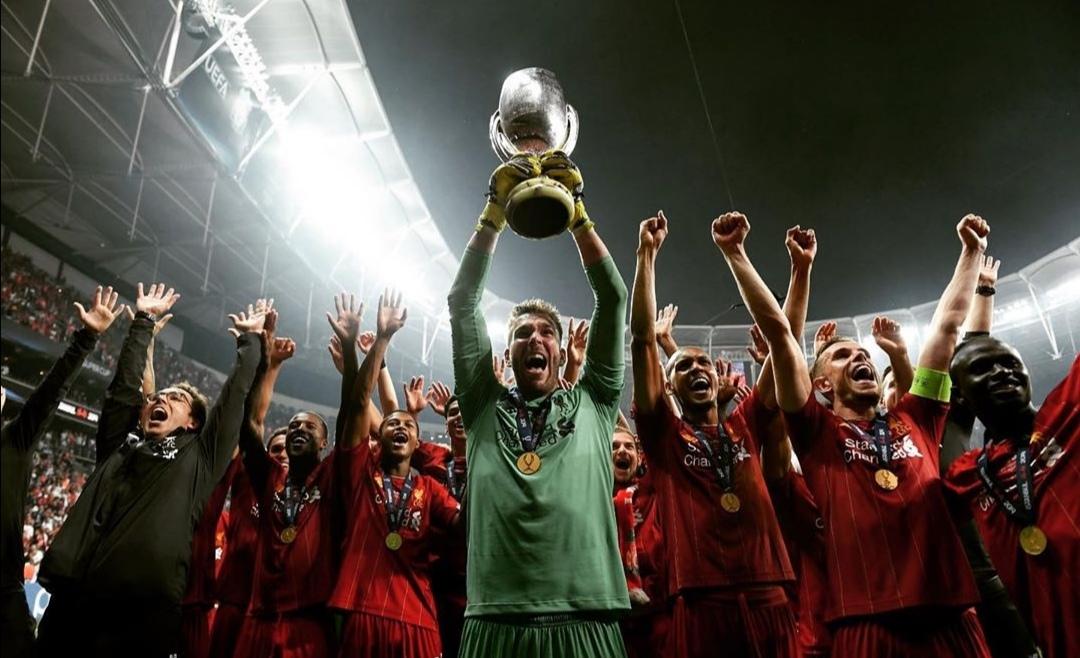 Liverpool vence primeiro duelo inglês da Supertaça Europeia