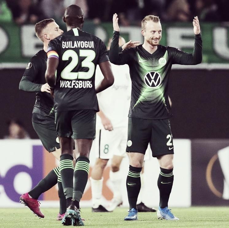 Com uma primeira etapa intensa, Wolfsburg bate Oleksandria e faz estreia tranquila na UEL