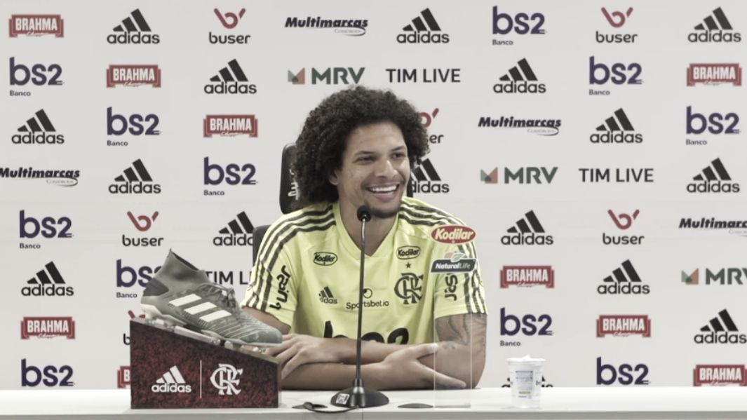 Em alta no Flamengo, Arão revela'desempenho muito bom' nos treinos de cobrança de falta
