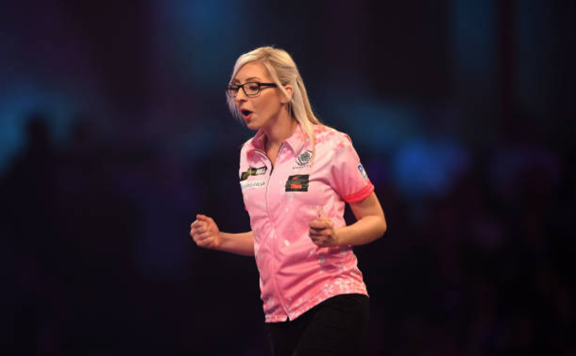 Premier League Darts Night Two: Fallon Sherrock claims draw with Glen Durrant on Premier League debut