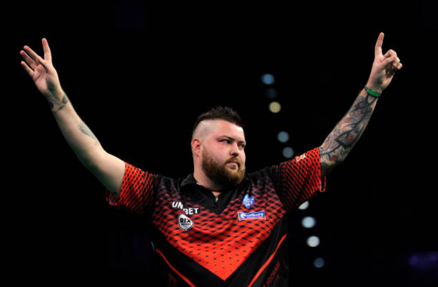 Premier League Darts Night Four: Michael Smith hits nine-darter in Dublin