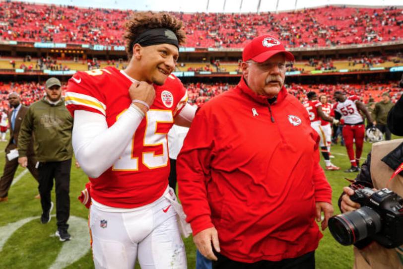 Kansas City Chiefs pick up fifth-year option on quarterback Patrick Mahomes' contract