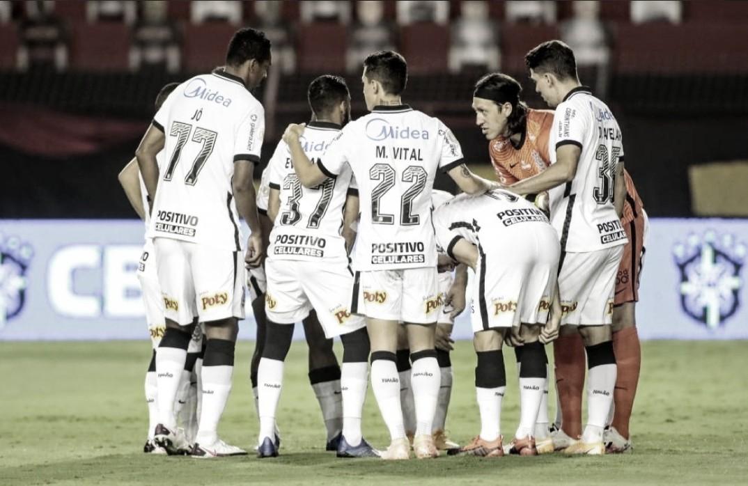 Apesar de derrota para Sport, Coelho exalta que 'evolução está vindo' no Corinthians