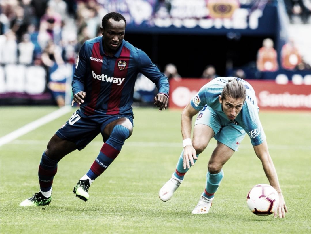 Raphael Dwamena en un partido con la camiseta del Levante UD / Fuente: levanteud.com