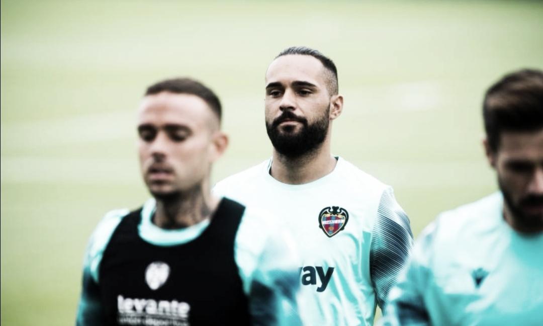 'Ivi' en un entrenamiento con el Levante / Fuente: levanteud.com