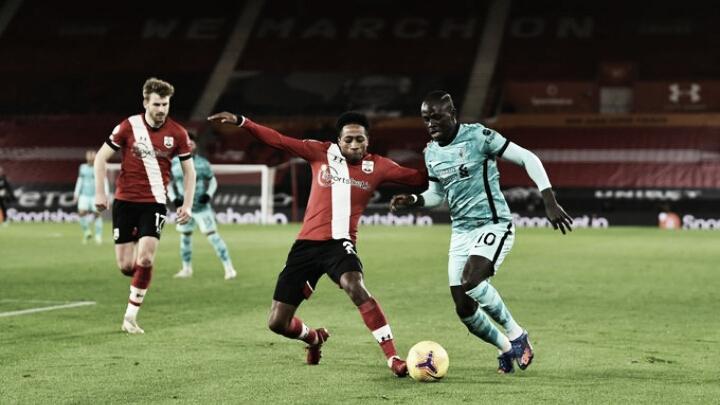 Liverpool pressiona, mas Southampton se segura e desbanca líder da Premier League