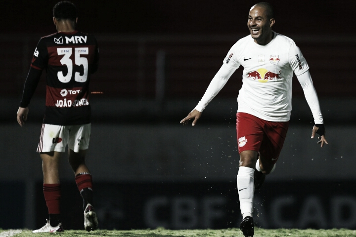 Flamengo sai na frente, vê Bragantino empatar e perde chance de dormir na liderança do Brasileirão