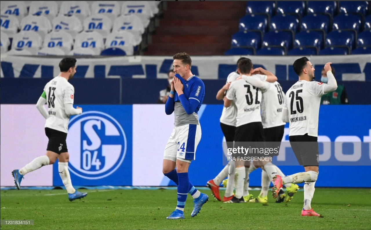 FC Schalke 0-3 Borussia Mönchengladbach: Sorry Schalke sent closer to the drop by Gladbach