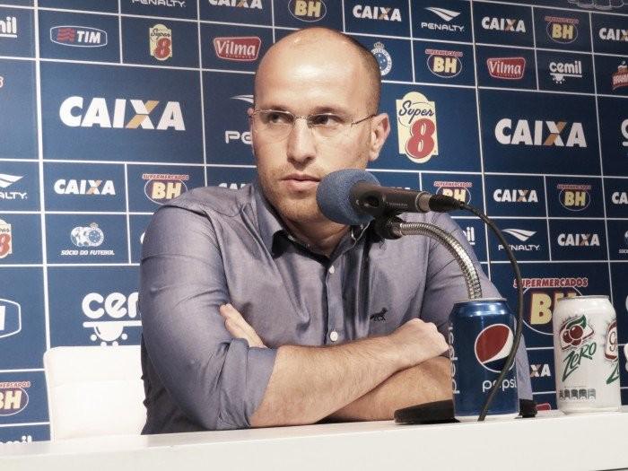 Diretor do Cruzeiro reitera confiança em Paulo Bento mesmo com maus resultados