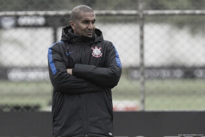 Cristóvão Borges mantém mistério no ataque em último treino antes de duelo contra Sport