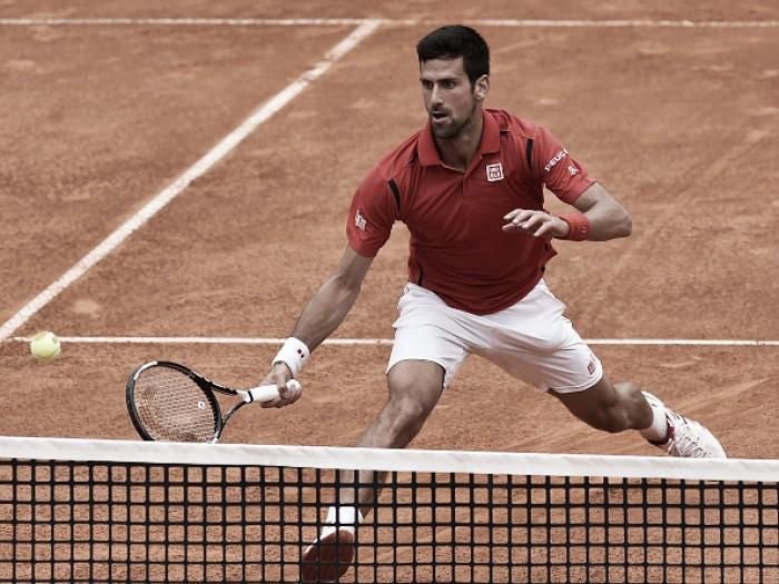 Novak Djokovic venceStéphane Robert na estréia do Masters 1000 de Roma