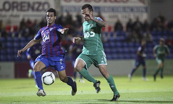 Ponferradina - Huesca: tres puntos para alejarse del descenso