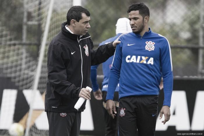 """Agora líder, zagueiro Yago crê que Corinthians ainda pode evoluir: """"Temos muito a melhorar"""""""