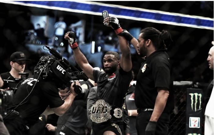 Em combate morno, Woodley vence Demian por pontos e mantém cinturão no UFC 214