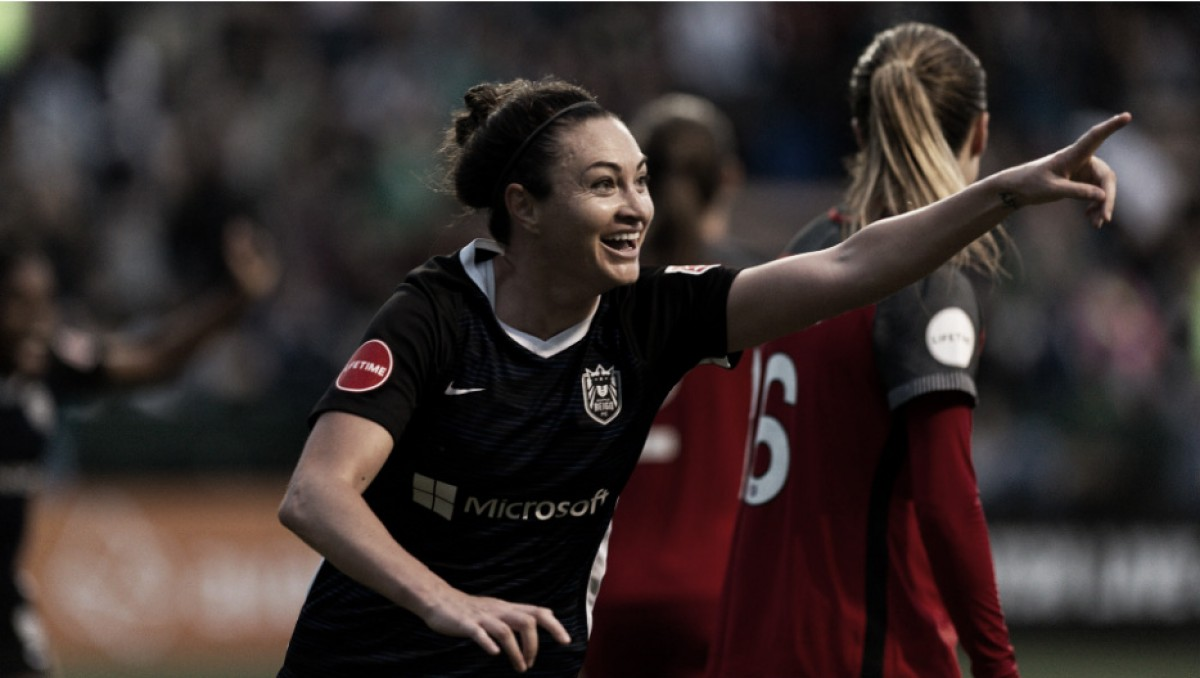 Jodie Taylor's last minute goal powers Seattle Reign FC past Portland Thorns FC