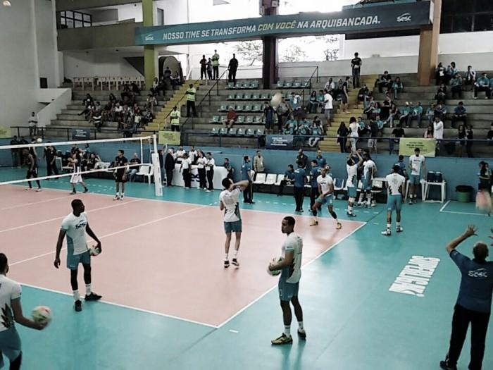 """Capitão do Sesc-RJ, Everaldo admite: """"Passamos a jogar ponto a ponto e foi ideal para vencer"""""""