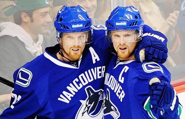 Vancouver Canucks retira los dorsales de los gemelos Sedin