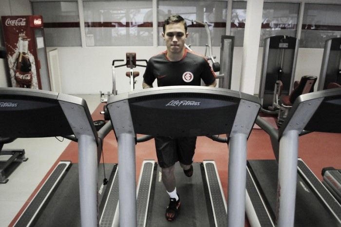 Venezuelano Seijas realiza treinos físicos no Internacional à espera de regularização