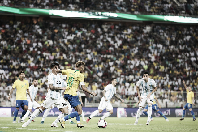 Com gol no fim, Miranda decide e Seleção Brasileira vence clássico contra Argentina