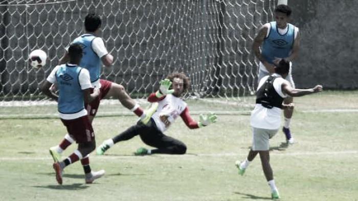 Perú entrena en Montevideo con Adán Balbín y Alexis Arias pensando en Uruguay