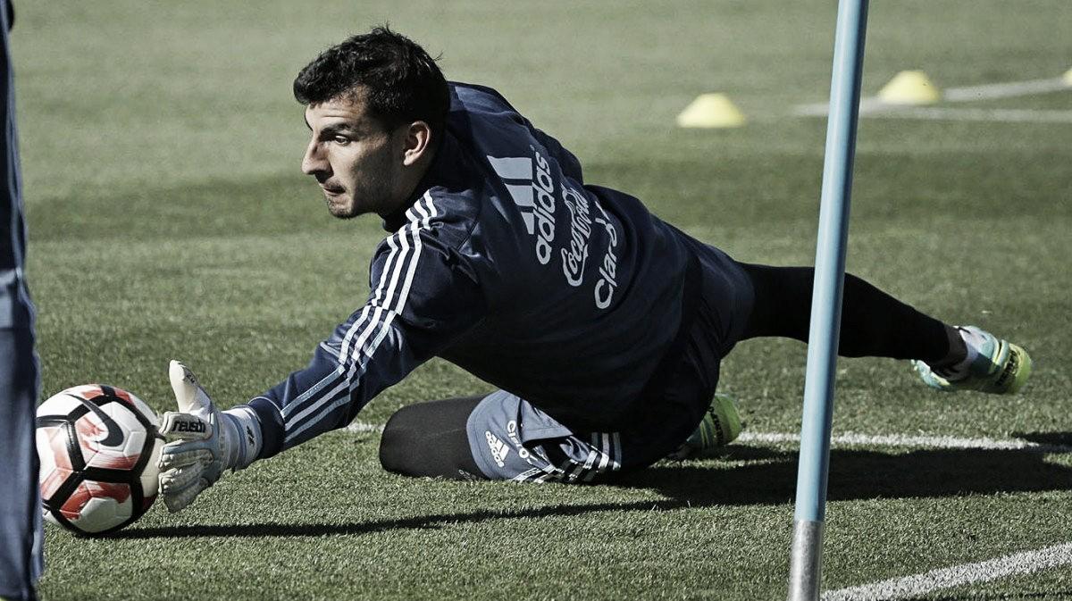 Nahuel Guzmán reemplazará a Sergio Romero