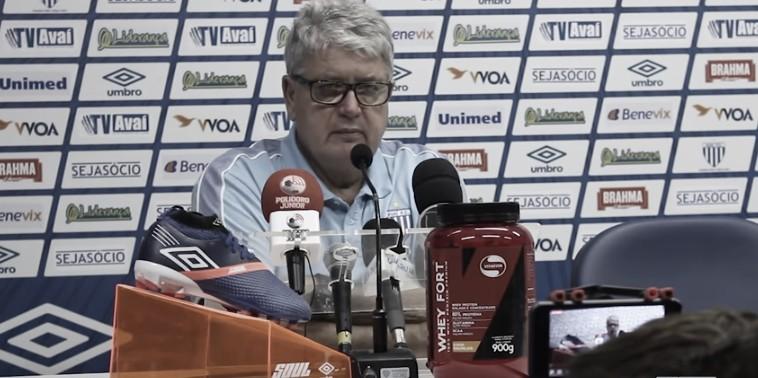 """Geninho aprova empate com Grêmio: """"Um resultado justo"""""""