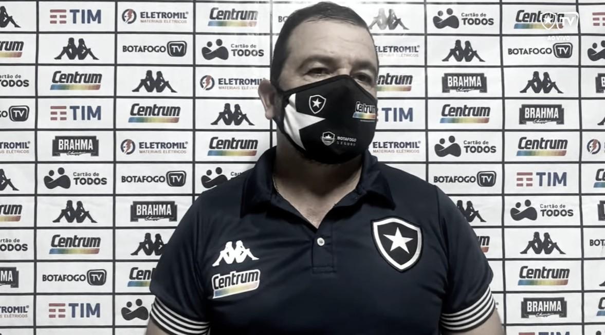 Enderson Moreira elogia determinação de jogadores após mais uma vitória do Botafogo na Série B