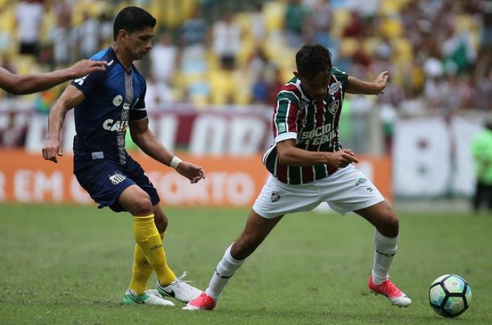 Conversa com Abel e pedidos da torcida: Gustavo Scarpa volta ao Fluminense após 79 dias