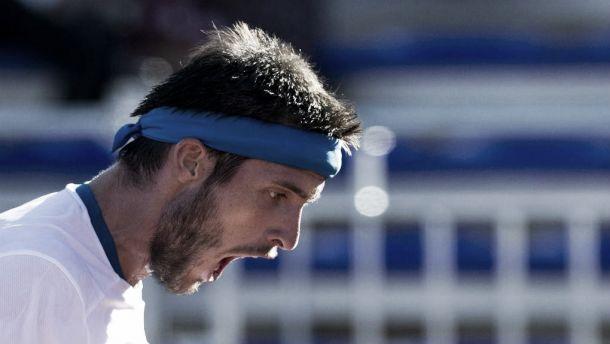 Bellucci exagera nos erros, Mayer vence e empata eliminatória pela Copa Davis