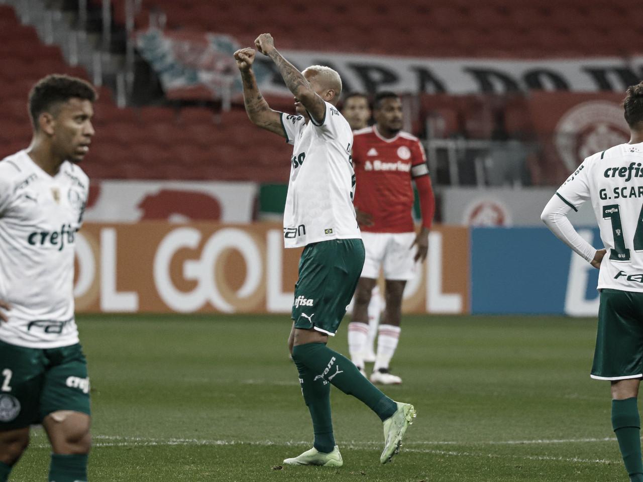 Palmeiras supera expulsão, faz gol no fim e vence Inter no Beira-Rio