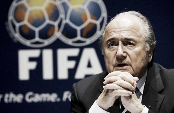 Scandalo Fifa: sei dirigenti arrestati per corruzione. Anche Blatter tra gli indagati