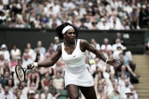 Wimbledon 2015: Williams avanti a braccetto, eliminata la Ivanovic