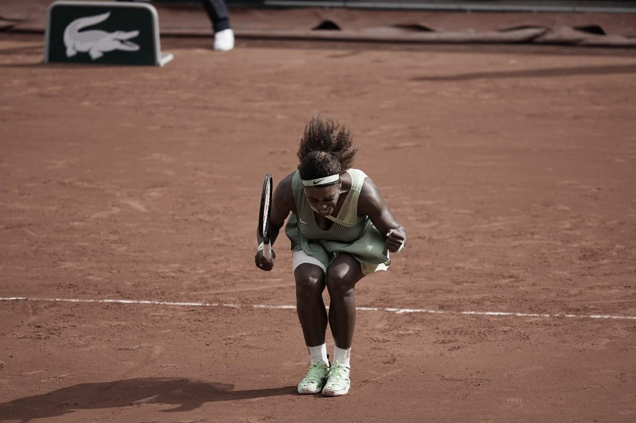 Serena Williams reage no segundo set e elimina Collins em Roland Garros