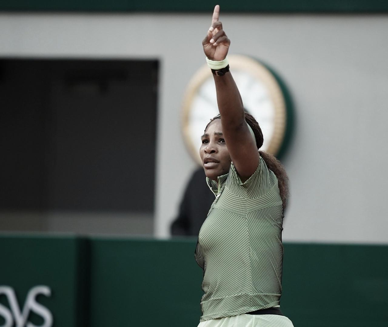 Serena Williams gana otra batalla para llegar a tercera ronda
