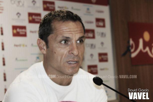 "Sergi Barjuan: ""Nos enfrentamos dos equipos aspirantes a subir"""