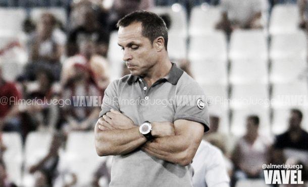 Sergi Barjuan, el primer entrenador destituido de la LFP