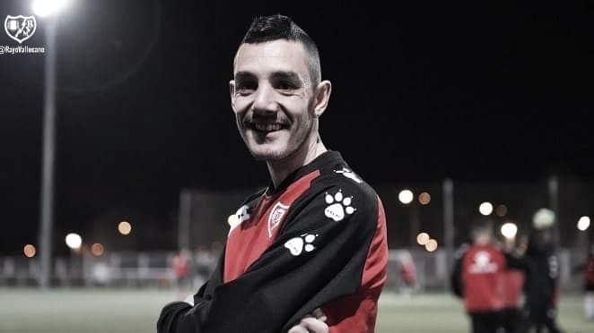 """Sergio Olmo: """"Orgulloso por mí mismo por mis compañeros y orgulloso de jugar en el Rayo Vallecano"""""""
