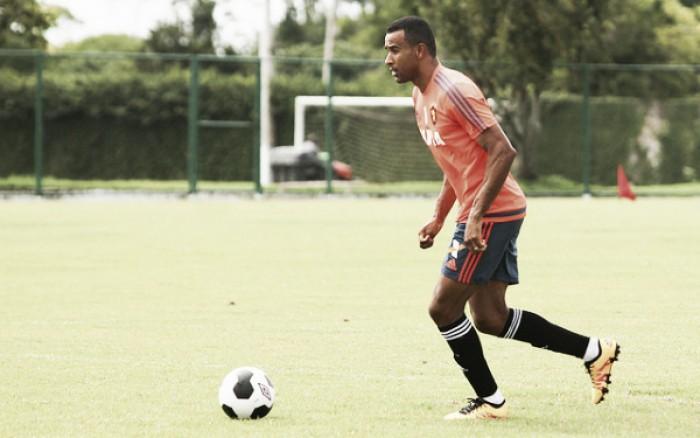 Oswaldo confirma Serginho como substituto de Rithely e define Sport para jogo contra Botafogo