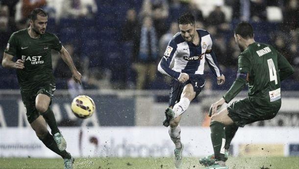 Caicedo y Sergio García inundan al Levante en Cornellà