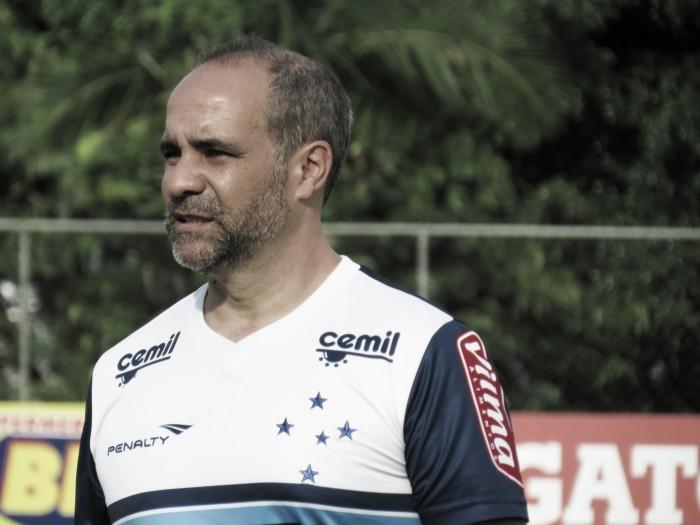 Médico do Cruzeiro detalha situações de Dedé, Rafinha, Elber e Fábio, que só voltam em 2017
