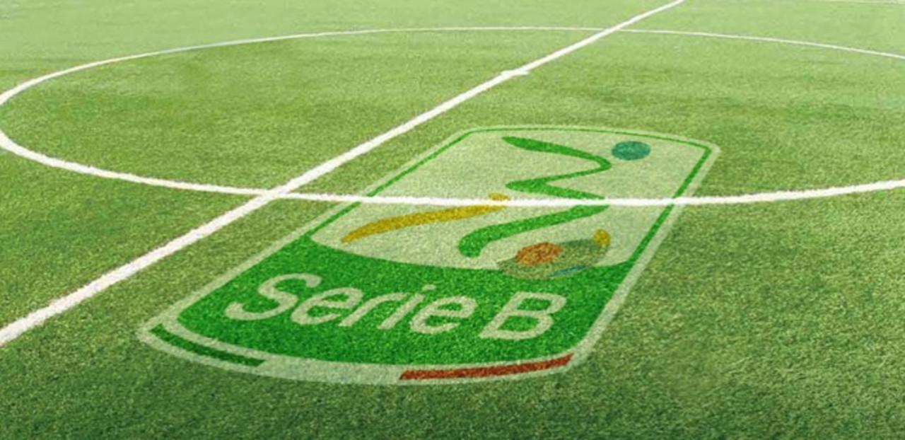 Serie B: testa-coda tra Palermo e Livorno, spiccano Verona-Pescara e Perugia-Spezia