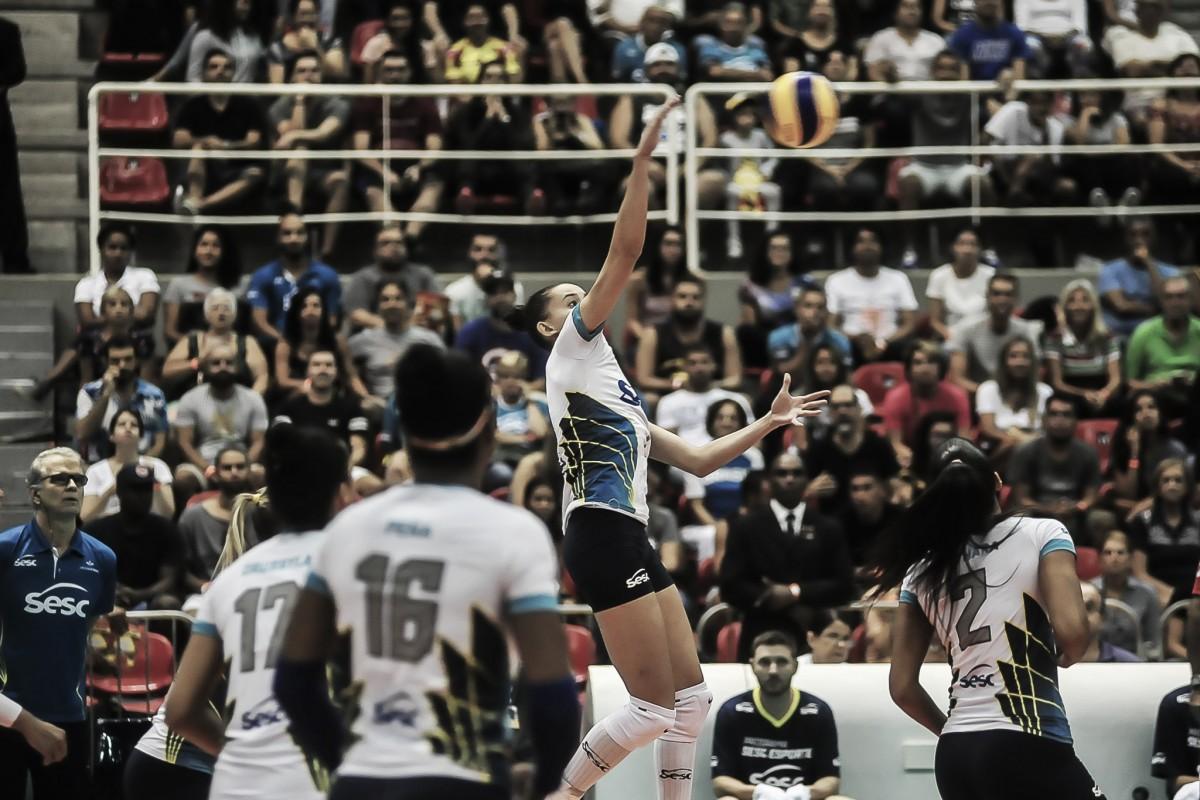 Sesc-RJ supera Pinheiros, fecha série e garante vaga na semifinal da Superliga