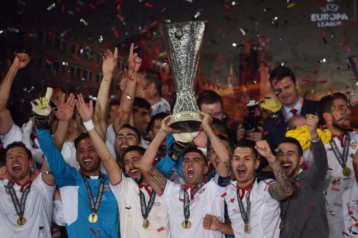 Previa Liverpool FC - Sevilla FC: 'You'll never walk alone' vs. Dicen que nunca se rinde