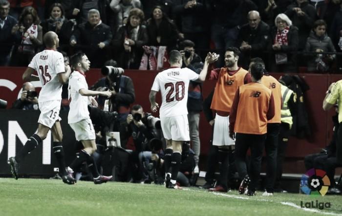 Valencia para no goleiro Sergio Rico e é derrotado por Sevilla fora de casa