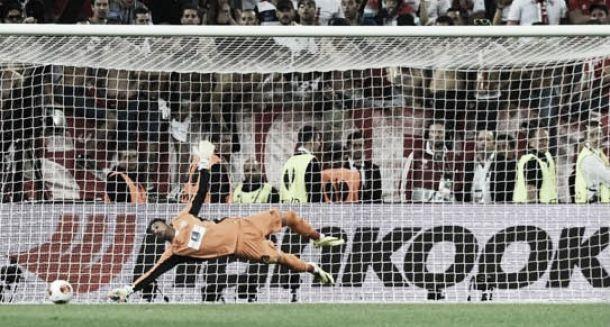 Herói do título do Sevilla, Beto destaca importância do treinador Unai Emery