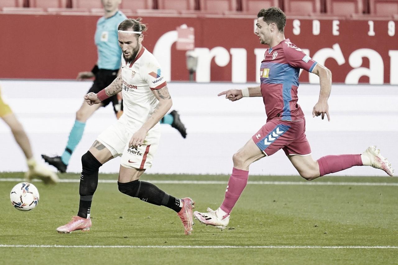 El Sevilla se agarra a la Champions (2-0)