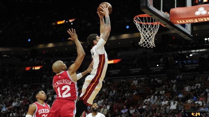 NBA - I Miami Heat stracciano i 76ers; i Mavs rimontano, ma nel finale prevale Atlanta