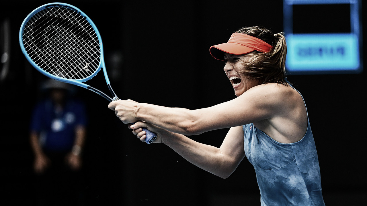 Sharapova prevalece e elimina atual campeã Wozniacki no Australian Open