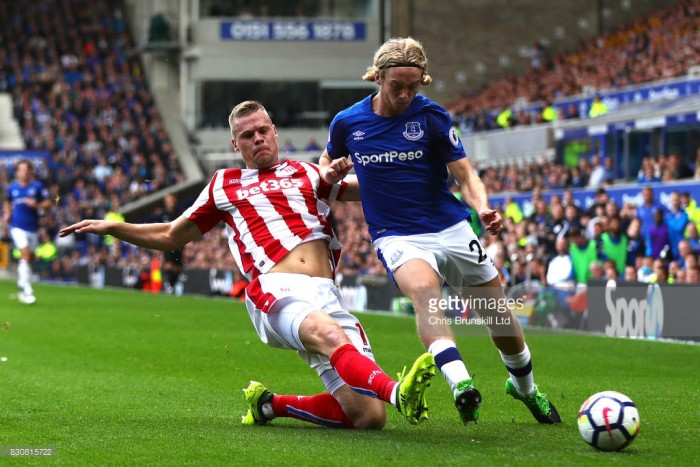 Ryan Shawcross likely to miss Stoke's encounterwith Manchester United